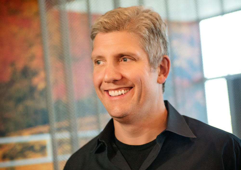 rick-osterloh-motorola-president-says-apple-is-outrageous