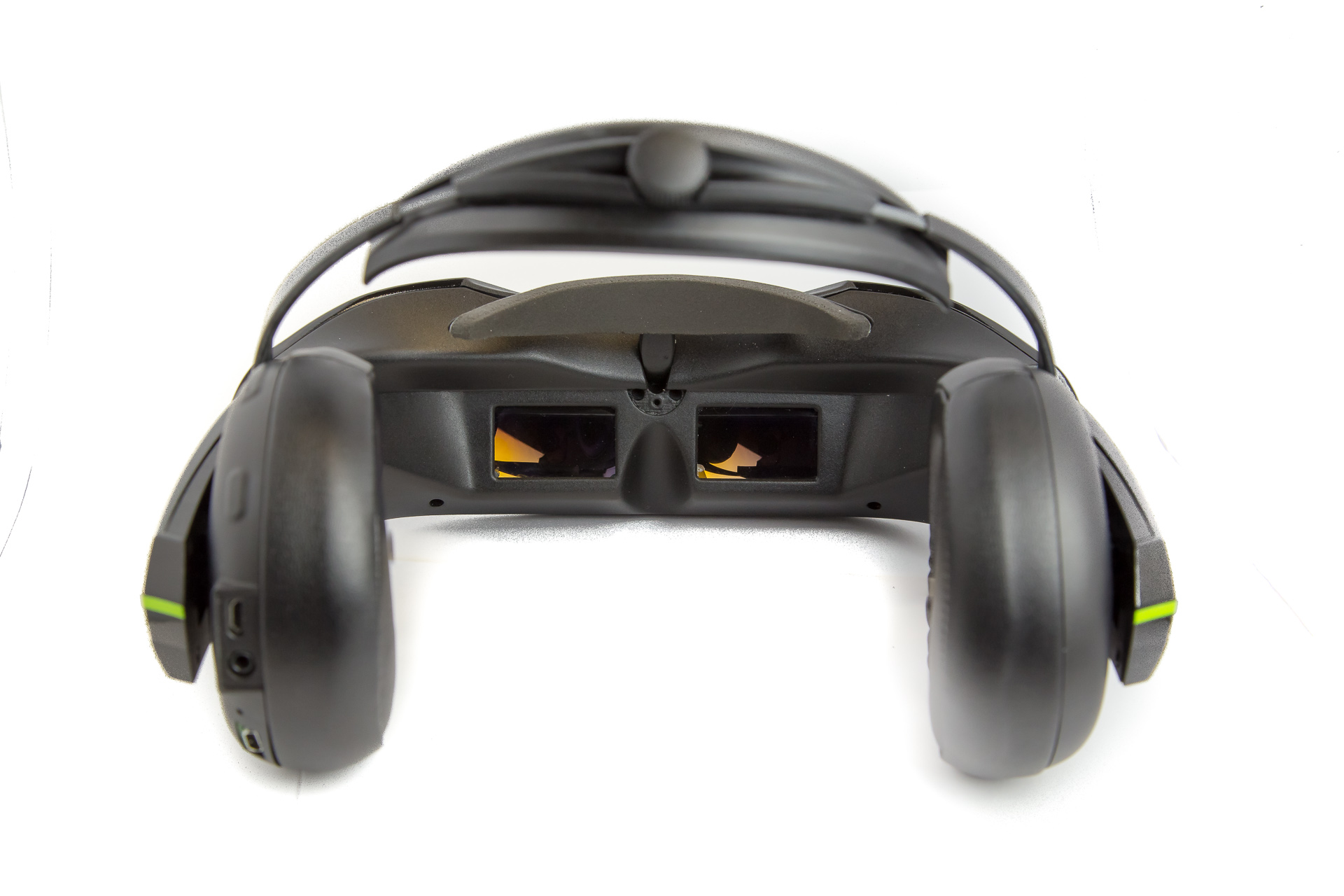 vuzix-virtual-reality-audio-video-headset