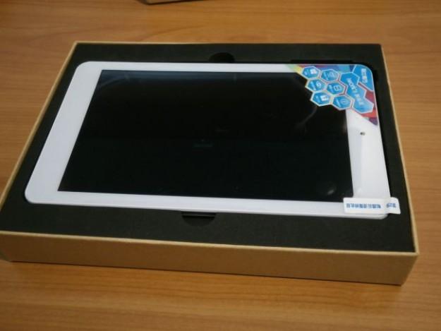 Cube-iWork8-White-unboxing